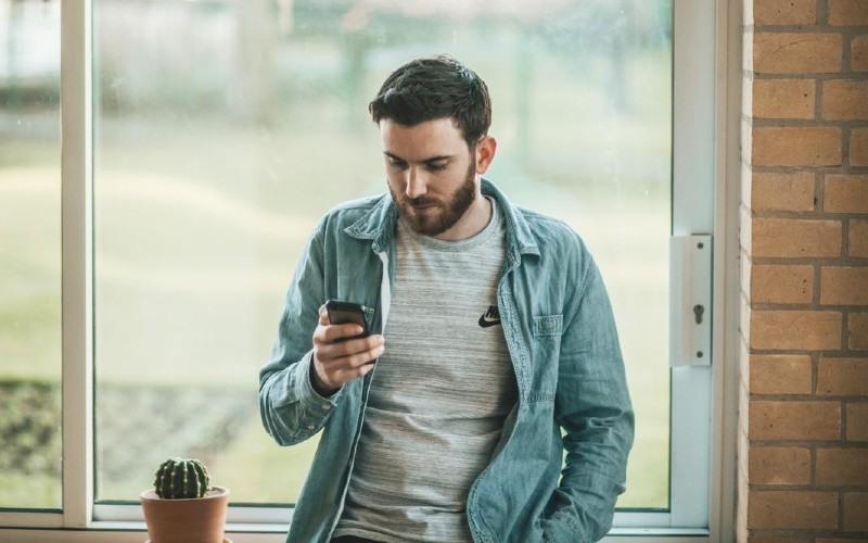 Cómo elegir la tienda de reparación de móviles adecuada